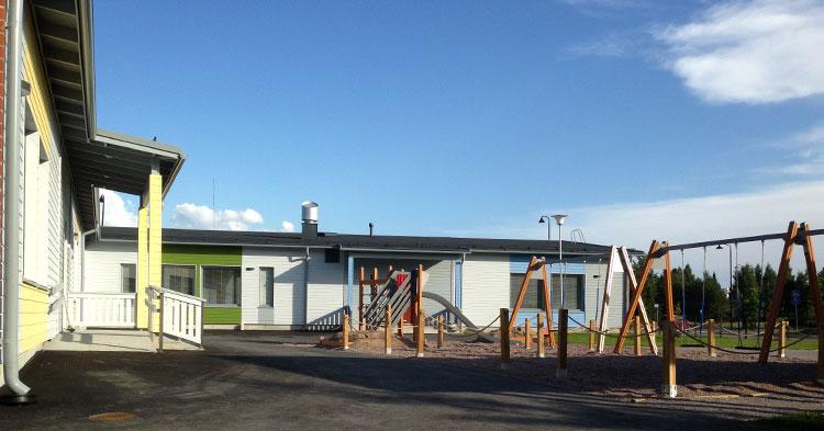 kotien ja julkisten kohteiden rakentaminen